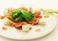 カマンベールチーズと合鴨のカルパッチョ風サラダ