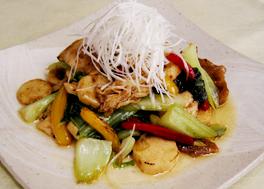 ヤマブシタケの炒めサラダ