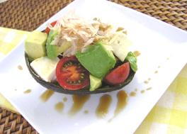 アボカドとクリームチーズの和風味サラダ